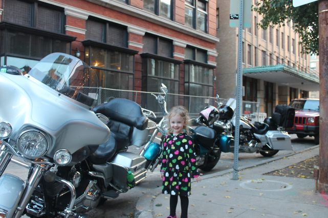 Urban Girl Wants to Ride, Union Avenue, Knoxville, Fall 2012