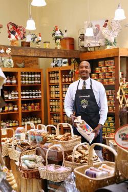 Interior of Peanut Shop of Williamsburg (photo from merchantssquare.org)