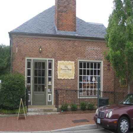 Peanut Shop of Williamsburg (photo from visitsouth.com)