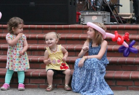 Girls at the Bob Dylan Birthday Bash, Market Square, Knoxville, June 2013