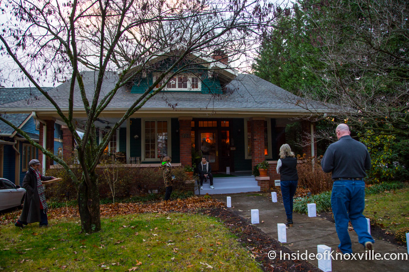 Old north victorian knoxville holiday home tour 2014 for Classic house tour
