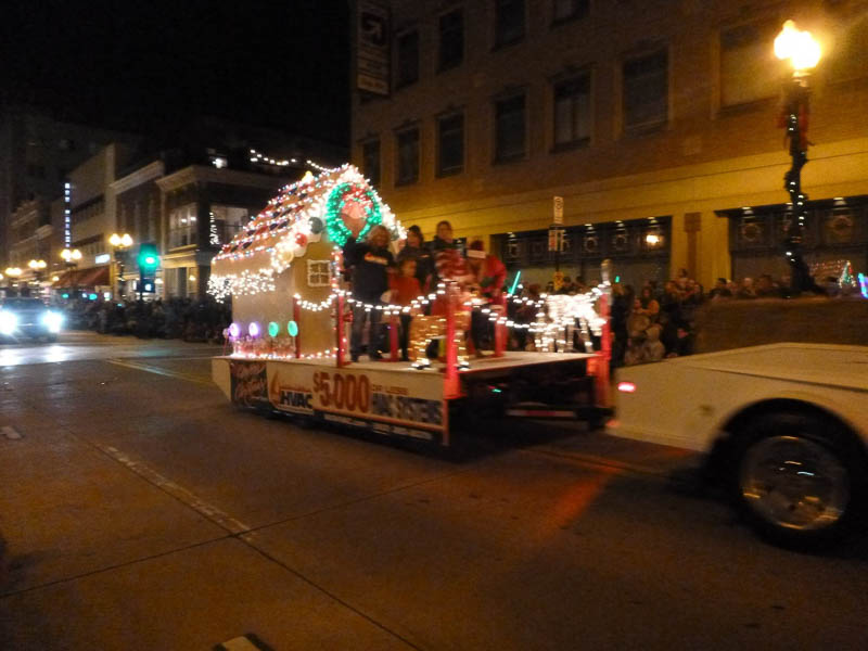 Knoxville Christmas Parade 2017 | Inside of Knoxville