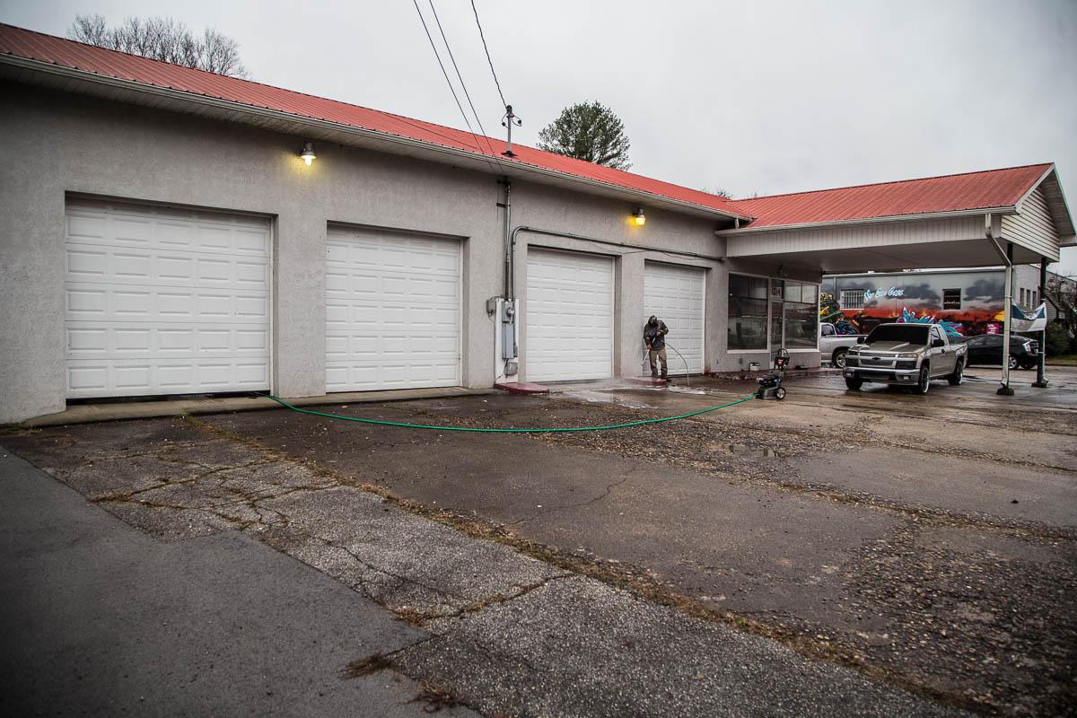 Hard Knox Garage Bar and Food Truck Park to Open in South